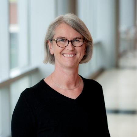 Profile Picture of Diane Lipscombe.