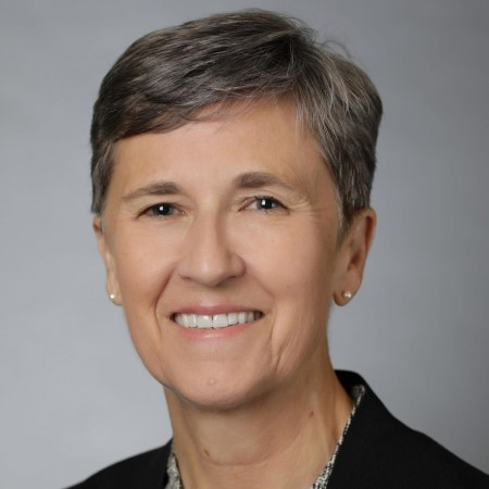 Profile Picture of Carolynn Patten.